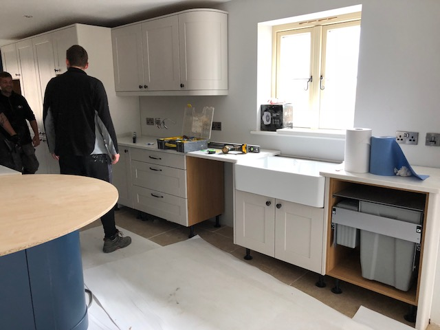 QUARTZ WORKTOPS GETTING FITTED