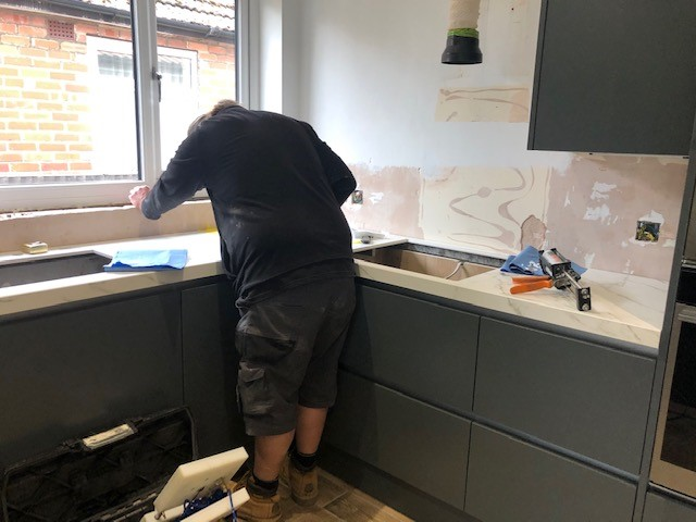 Fitting Worktops