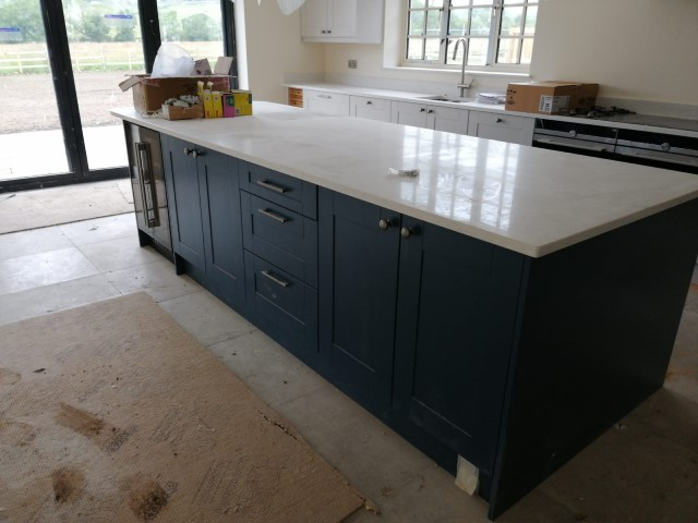 QUARTZ WORTOPS FITTED